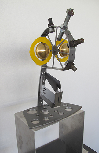 Techno-Pappn mit Lochblech Krawattl